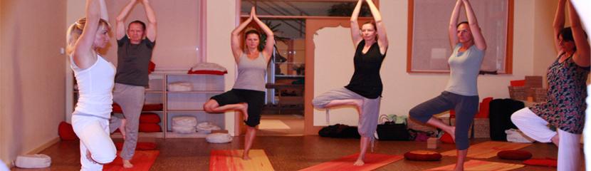 Citaten Filosofie Yoga : Tula yoga academie verdieping in lichaam en geest met